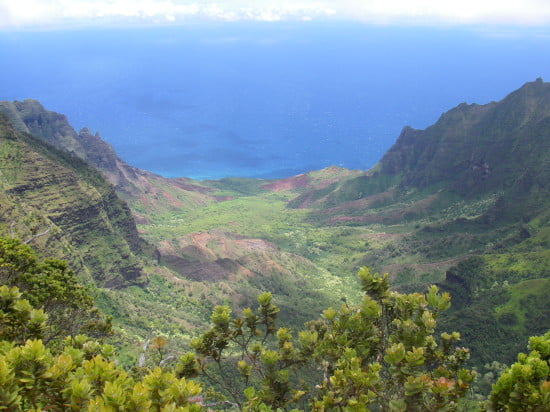 Looking down at Kalalau Valley from 5,148'