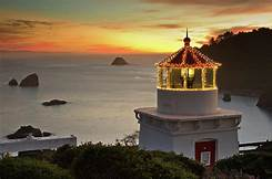 Trinidad lighthouse - this light is set 195' above mean sea level. In 1913 the sesa shot up the face of the bluff and stopped the lens from revolving.